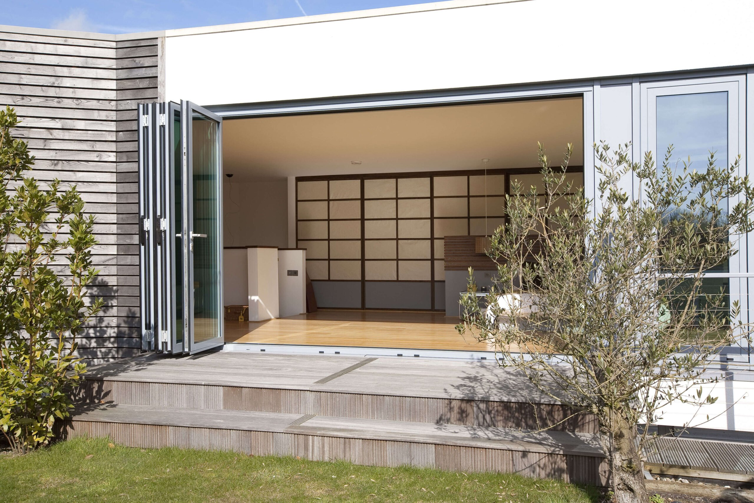 BI-FOLD FOLDING DOORS DUBAI