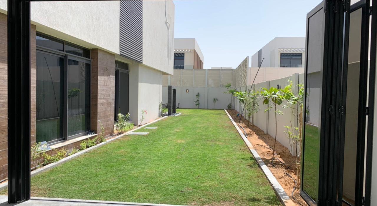 BI-FOLD FOLDING DOORS DUBAI
