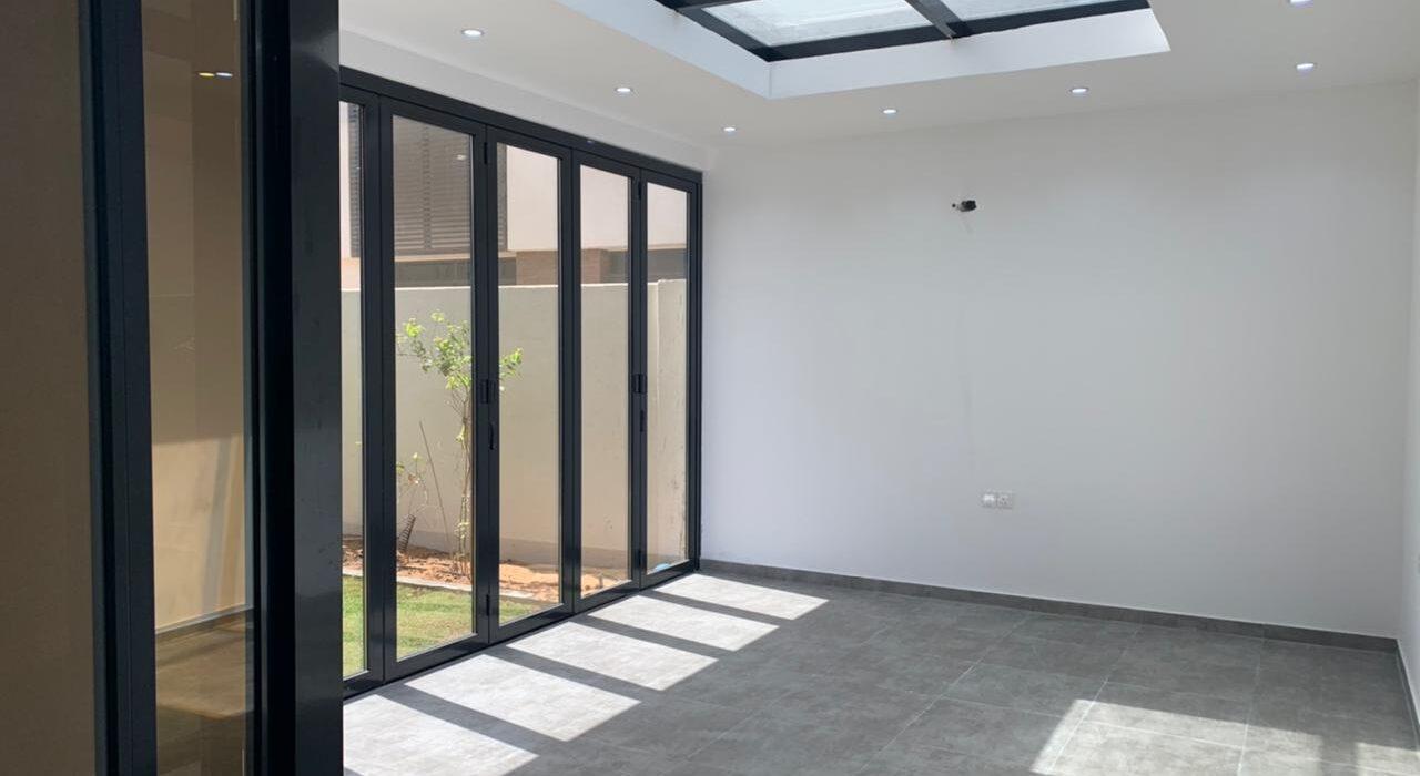 GLASS ROOM WITH SKYLIGHT AT ABU DHABI